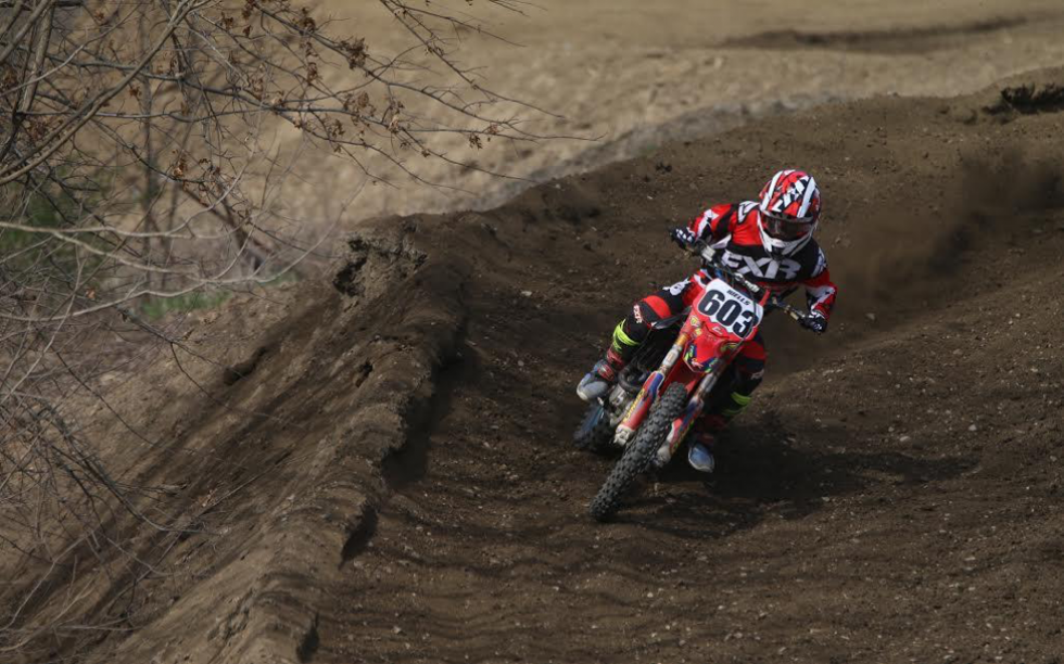 J Wells Fully Pinned Throwing Some Roost Around And Looking Good With The New